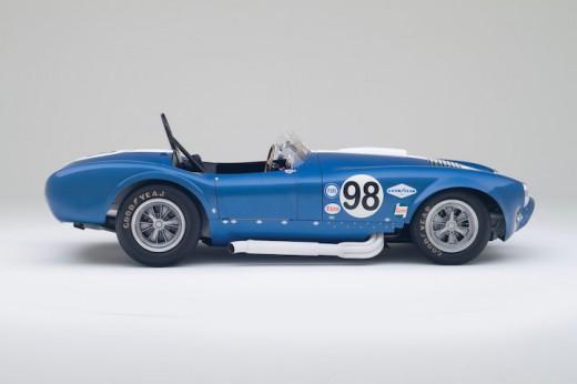 Shelby-427-Cobra-Flip-Top-Side